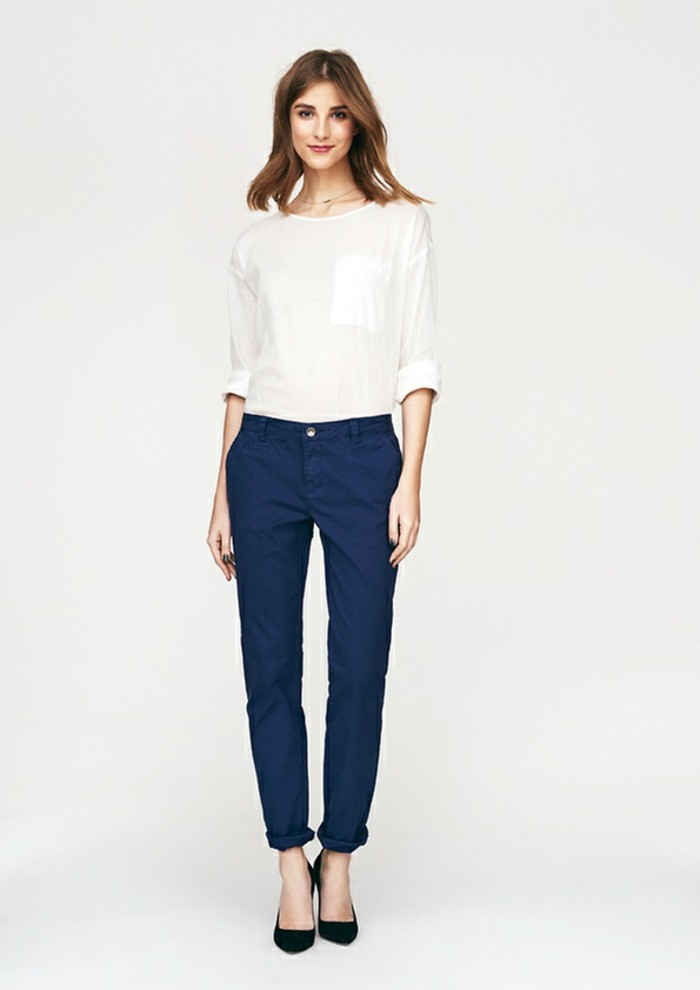 business casual women white pants photo - 1