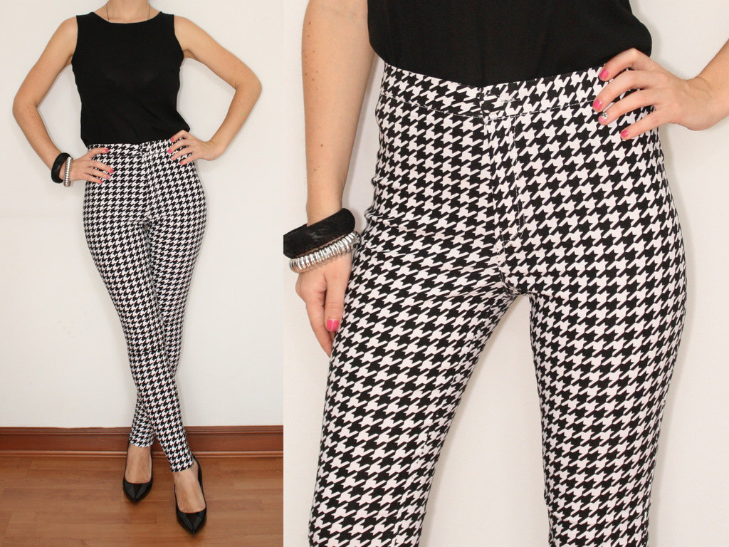womens black and white houndstooth pants photo - 1