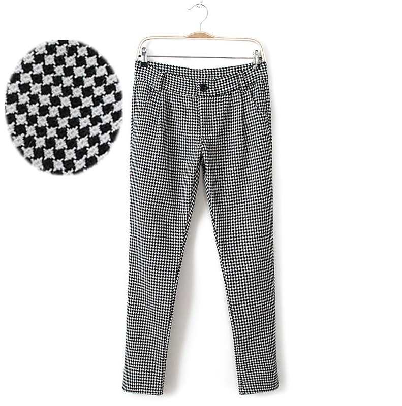womens black and white houndstooth pants photo - 2