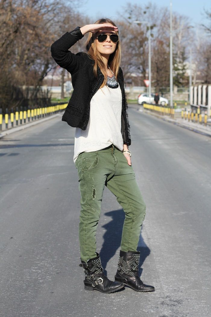 womens black cargo pants outfit photo - 1