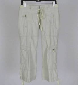 womens cropped cargo pants photo - 2
