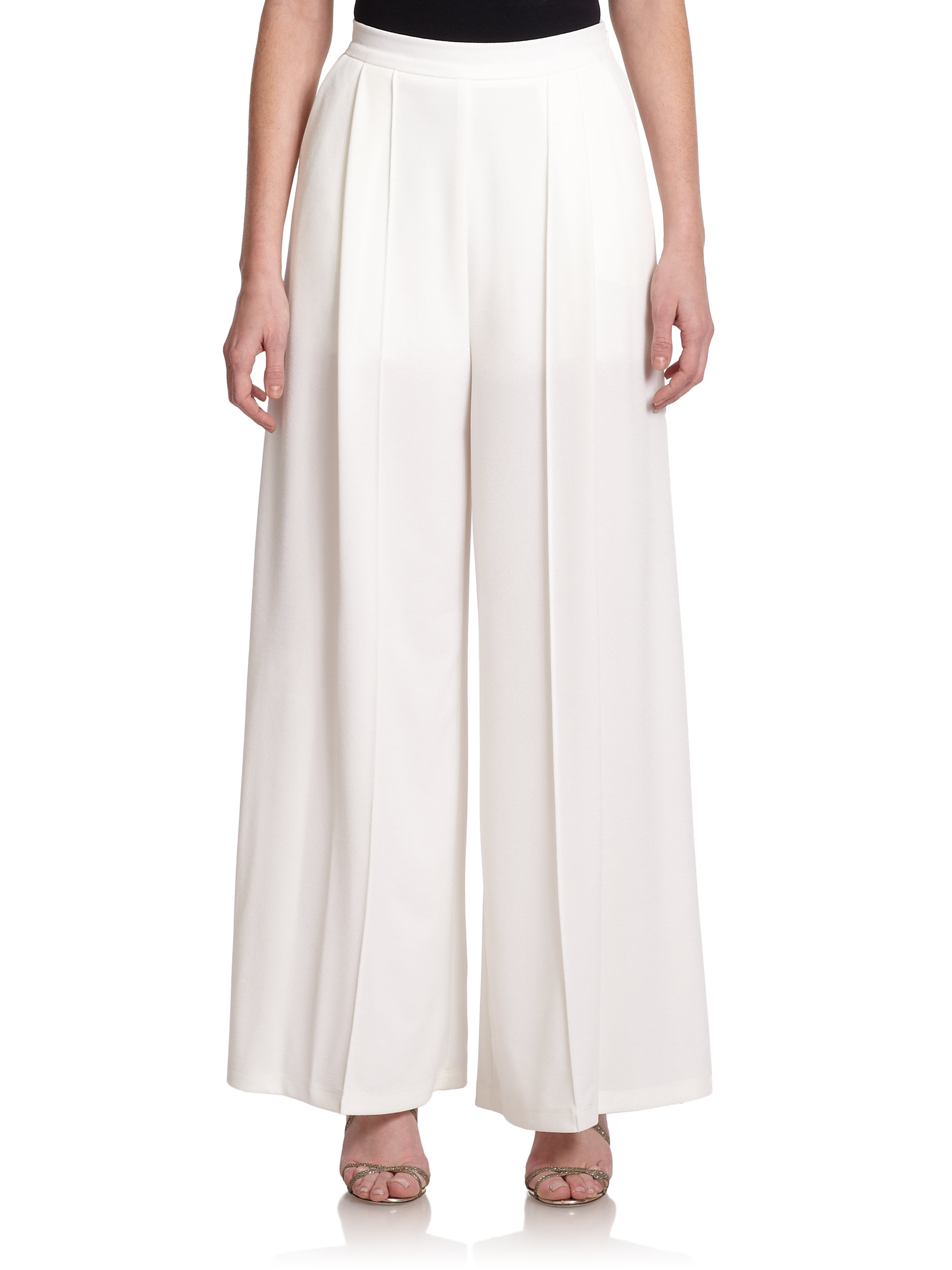 womens white pleated pants photo - 1