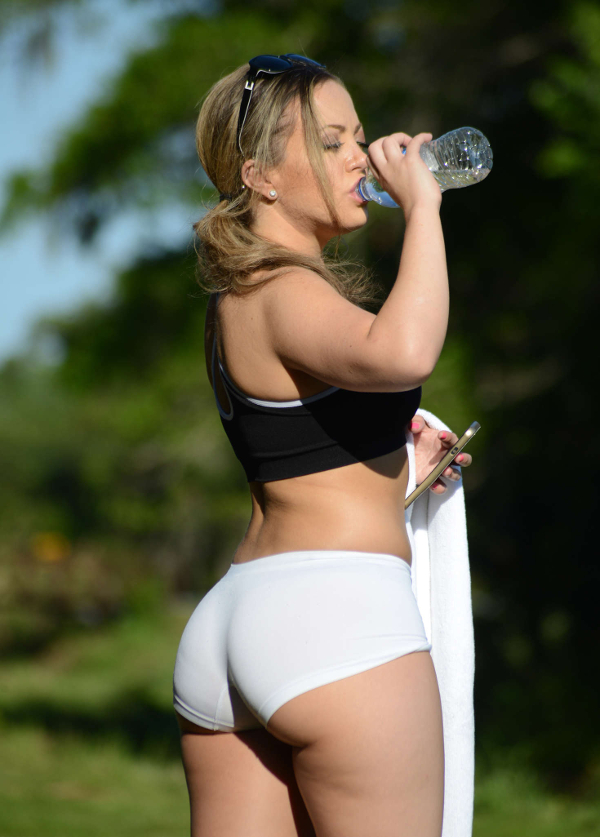 yoga pants 101 photo - 2
