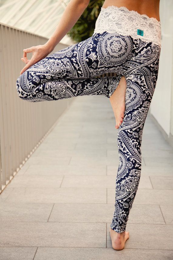 yoga pants with lace photo - 1